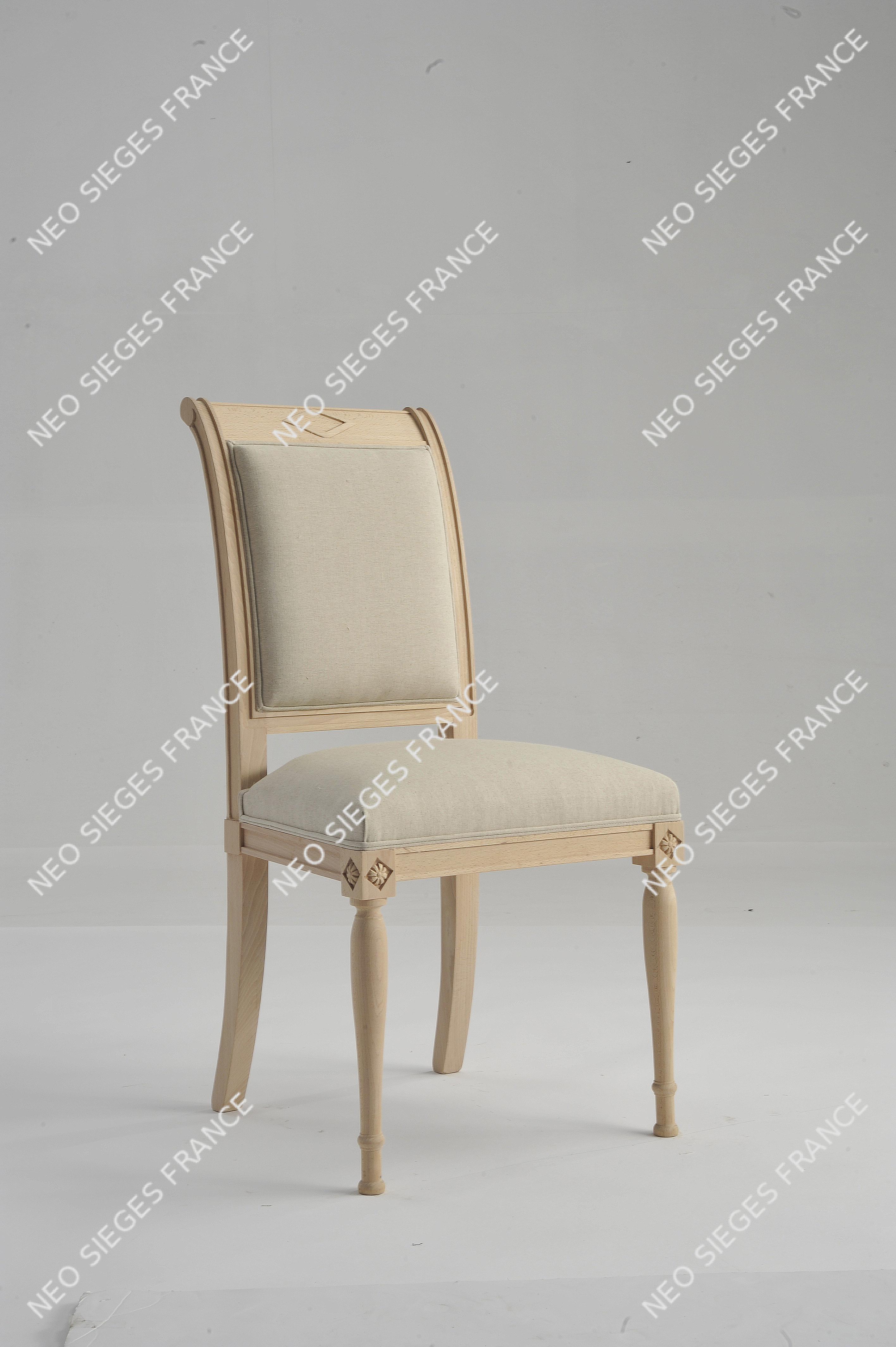 chaise 1750 garnie en blanc